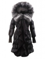 Зимняя куртка с вязкой и воротником из чернобурки от VM