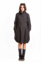 Пальто с капюшоном в молодежном стиле