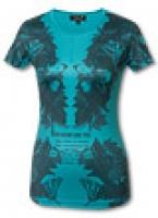 Практичная, удобная модель летней футболки с принтом