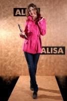 Малиновый плащ от AlisaFashion